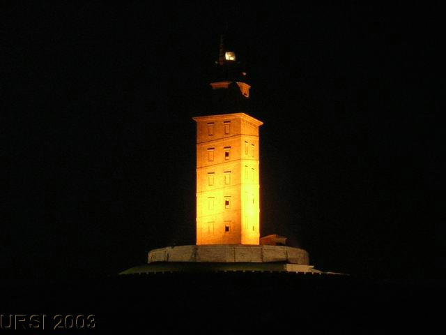 Torre Hercules noche.jpg